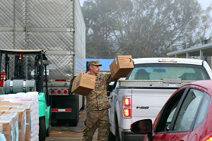 Florida National Guard provides supplies